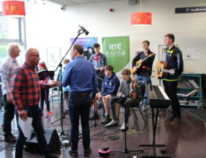 Irish National Radio RTE playing live !